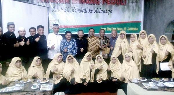 H Mahyeldi dan H Benni Warlis Lantik Trainer Parenting Payakumbuh, Parenting Solusi dan Pemacu Kemajuan