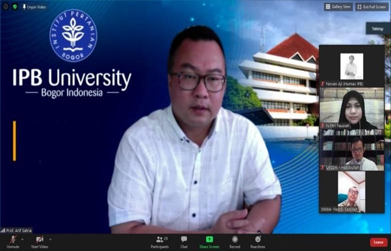 Rektor IPB Prof Dr Arif Satria positif Covid-19. Foto: Dok IPB University